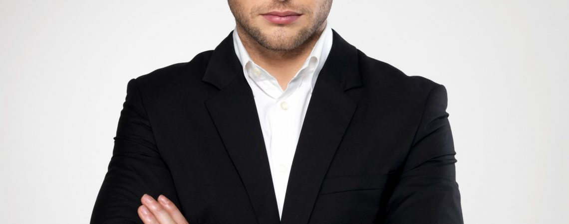 Fashion-businessman-black-suit.jpg